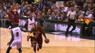 getlinkyoutube.com-LeBron James and Dwyane Wade Duel in Cleveland