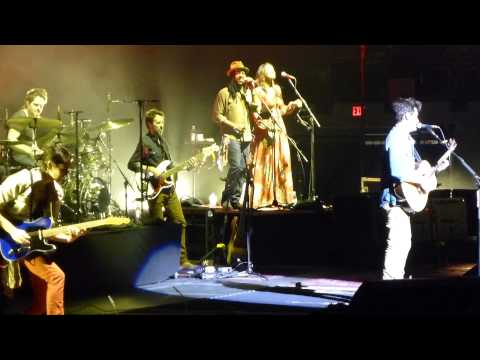 John Mayer Half Of My Heart live Columbus OH 12 3 13