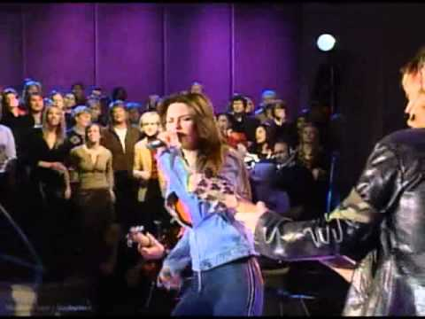 Shania Twain - She's Not Just A Pretty Face (Live Oprah)