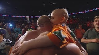 getlinkyoutube.com-Seven-year-old cancer survivor Kiara Grindrod meets John Cena and Sting: WWE Raw, Sept. 14, 2015