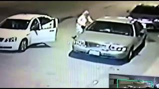 getlinkyoutube.com-مواطن يوثق عبر كاميرات المراقبة لحظة سرقة سيارته
