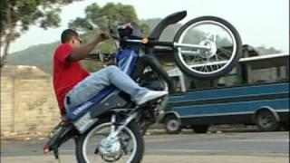 getlinkyoutube.com-Moto Pirueta en Caracas