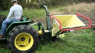 getlinkyoutube.com-Rębak / rozdrabniacz biomasy NEGRI 225T na WOM