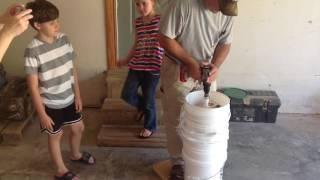 getlinkyoutube.com-DIY Drill Powered Honey Extractor