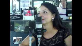 getlinkyoutube.com-Peeling em cápsula com Oli Ola acabe com as manchas da pele