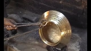 getlinkyoutube.com-Traditional brass and copper craft of utensil making among the Thatheras of Jandiala Guru