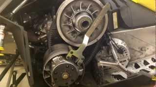 getlinkyoutube.com-Ski-Doo QRS Style Clutches 2009-10 - EPI Clutch Kit Install