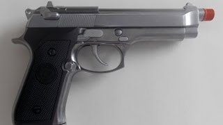 getlinkyoutube.com-Pistola Airsoft GBB WE Beretta M-92 full Metal Inox Pistol (Silver Chrome) 6mm cromada