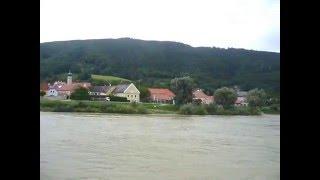 getlinkyoutube.com-Paseo por el Danubio (Austria)