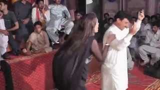 getlinkyoutube.com-Punajbi Seraiki Song, Main Mahi Day Khooh, Very Hot Dance Mehfil Mujra