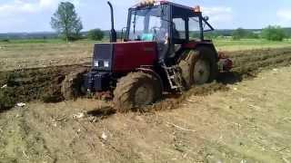 getlinkyoutube.com-Belarus 920-Moravci (oranje posle poplave)