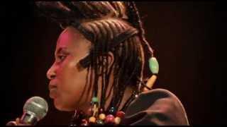 getlinkyoutube.com-Miriam Makeba - Click Song (Qongqothwane)