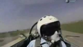 getlinkyoutube.com-Discovery - F22 vs SU-37