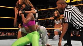 getlinkyoutube.com-WWE NXT: Naomi & Kelly Kelly vs. Brie & Nikki Bella