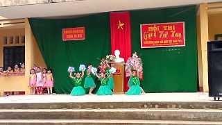 getlinkyoutube.com-Hát múa Bụi phấn - Cát Vân