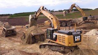 getlinkyoutube.com-Cat 349E And Cat 345B Excavator Loading Volvo And Hydrema Dumpers