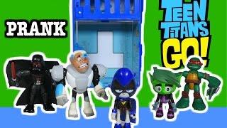 "getlinkyoutube.com-TEEN TITANS GO! Raven Turns Cyborg & Robin into Darth Vader, Hulk, Santa ""a Teen Titans Go Parody"""