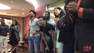 getlinkyoutube.com-Amazing flash mob for Hritik Roshan & Yami Gautam | Kaabil