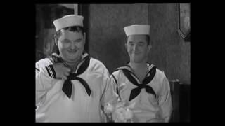 getlinkyoutube.com-Laurel and Hardy Best clips 5
