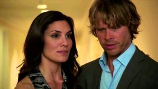 Kensi & Deeks play fight in bed - 4x22