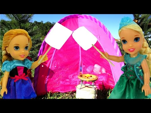 CAMPING ! Big Bear scares ELSA & Anna Toddlers - Marshmallow - Tent- Picnic- Outdoors - Playing