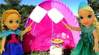 getlinkyoutube.com-CAMPING ! Big Bear scares ELSA & Anna Toddlers - Marshmallow - Tent- Picnic- Outdoors - Playing