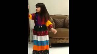 getlinkyoutube.com-بنت صغيره سعوديه ترقص رقص روعه