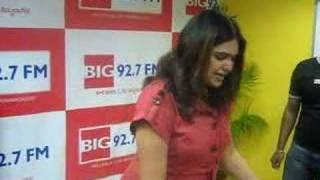getlinkyoutube.com-RJ Shruthi's Birthday Celebrations at BIG 92.7 FM, Bangalore