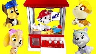 getlinkyoutube.com-CLAW MACHINE Game with Paw Patrol! Cubeez Surprise Toys! Save Marshall!