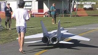 getlinkyoutube.com-The world's largest Mig 25 RC Scale model airplane - the test flight