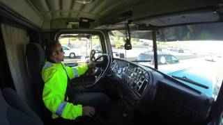 getlinkyoutube.com-driving giant Peterbilt in trafic on the busiest highway of North America...inside cab view
