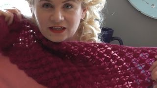 getlinkyoutube.com-PINEAPPLE STITCH SCARF - Crochet this beautiful lace stitch panel by The Casting On Couch