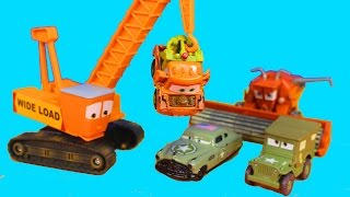 getlinkyoutube.com-Disney Pixar Cars Army Car Doc Tells Lightning McQueen Cars War 2 Story attack on Mater