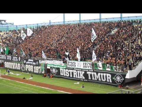[PSS Sleman] Wall of Death from Brigata Curva Sud @ Stadion Maguwoharjo (Full Version)