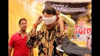 getlinkyoutube.com-Jadugar Mangal Tara Aankhon Par Patti Bandh Kar Sahar Ki Sadko Par