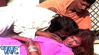 getlinkyoutube.com-Lut Gayini होली के खेलाई में - Fagun Me Bada Jor Khajuaala - Bhojpuri Hot Holi Songs 2015 HD