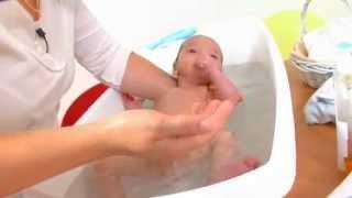 getlinkyoutube.com-Comment donner le bain à son bébé