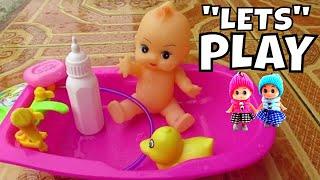 getlinkyoutube.com-Mainan Anak Boneka Bayi Mandi ❤ Baby doll bath time with duck - baby drinking milk @LifiaTubeHD