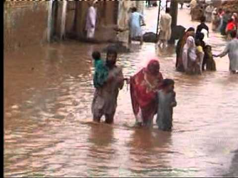 flood in azam abad, akbar pura , nowshera   (part 1 of 3).mpg