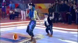 getlinkyoutube.com-legendarios Funkeira Tati Zaqui canta sucesso 'Água na Boca' no palco do Legendários 18 07 2015mircm