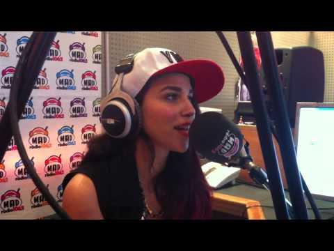 H Κατερίνα Στικούδη παρουσιάζει το Radio Stars!