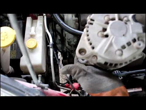 Как снять генератор, замена подшипника кондиционера Ниссан Икстрейл 2001 года Nissan X Trail