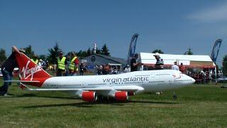 getlinkyoutube.com-RC Airplane Boeing 747-400 Virgin Atlantic Airways Maiden-flight 2015