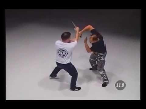 Curso de cuchillo Avanzado video 2 de 2 tácticas avanzadas reverse grip - agarre hacia atrás