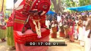 getlinkyoutube.com-kannur theyyam thayThazhe Mundayat Sri Bhagavathi Kshetram