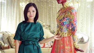 getlinkyoutube.com-Meet Guo Pei, China's First Haute Couture Designer