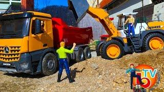 BRUDER TOYS Truck Mercedes and Liebherr L574 Articulated road loader