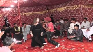 getlinkyoutube.com-Mehndi dance - Gulistan Colony Fsd by Rauf Mahi