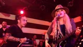 getlinkyoutube.com-Livin' On A Prayer - Orianthi and Arnel Pineda