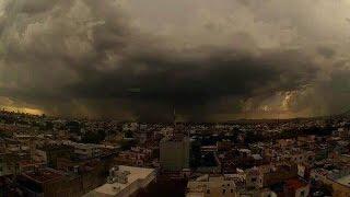 getlinkyoutube.com-Momentos en el que el Huracán Patricia llega a México 23 Octubre 2015